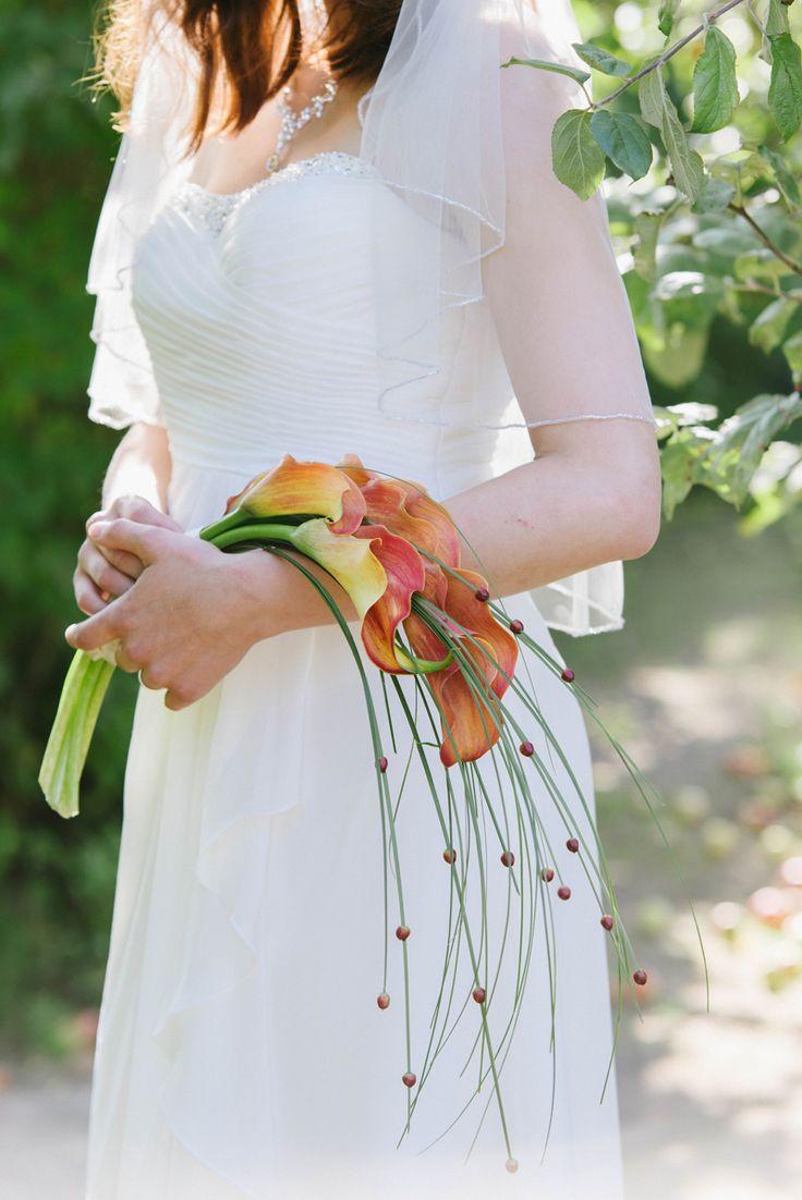 Fall wedding. Fall inspired bridal bouquet. Julia Lillqvist |  | http://julialillqvist.com