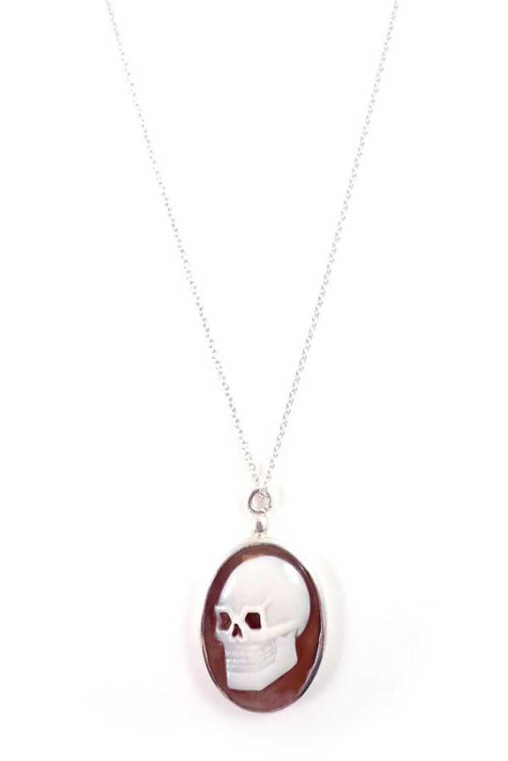 Silver skull cameo necklace #IOSSELLIANI