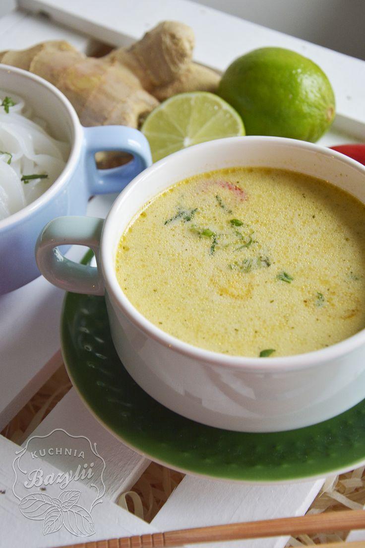 Rozgrzewająca zupa tajska z kurczakiem   Kuchnia Bazylii