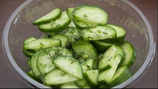 Puţini ştiu faptul că această legumă este considerată una dintre cele mai sănătoase. Iată doar câteva dintre afecţiunile pentru care este recomandat castravetele, scrie observator.tv.