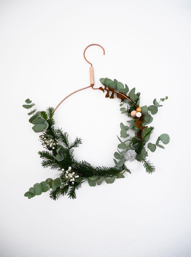 DIY christmas wreath with a cloth hanger