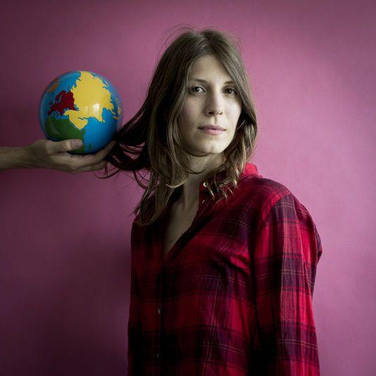 Celine Alvarez, une institutrice revolutionnaire (04/09/2014 - Le Monde)