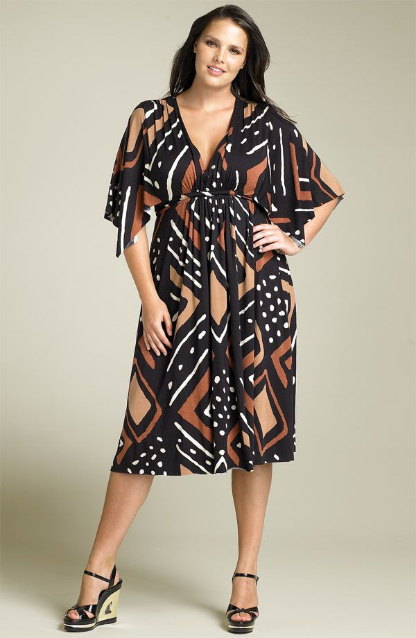 FASHION. Discussion on LiveInternet - Russian Service Online Diaries - the advantage curvy gals have over thinnies is when large patterned fabric is used for clothing - it suits a generous figure much much more than a sparse one. Each compliments the other.