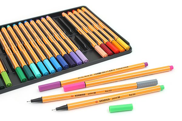 Try Europe's best-selling fine-line pens! The pens are arranged on a light plastic tray in the case. The tray slides out of the case, for keeping the pens organized on your desktop.