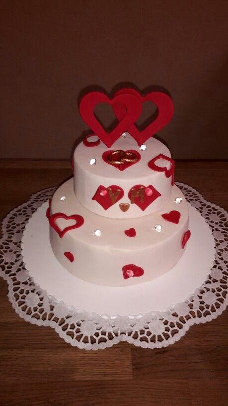 Hochzeitstorte mit Himbeer Buttercreme Füllung