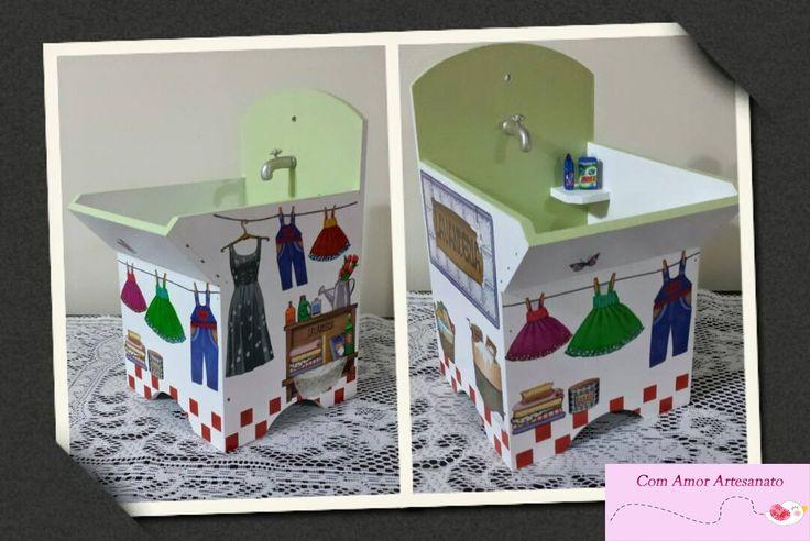 Tanquinho (porta pregador de roupas) em mdf com decoupage e miniaturas de torneira e sabão
