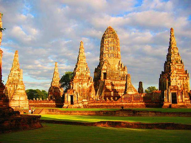 Destination Ayutthaya : Visite et histoire http://www.actuweek.com/go/amazon-thailande.php
