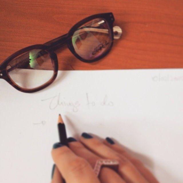 Things to do emoji #glasses #frames #sunglasses #hallyandson #hallyson #opticametaxas #athens #style #office #exetastiki #todo #eyewear #γυαλιά