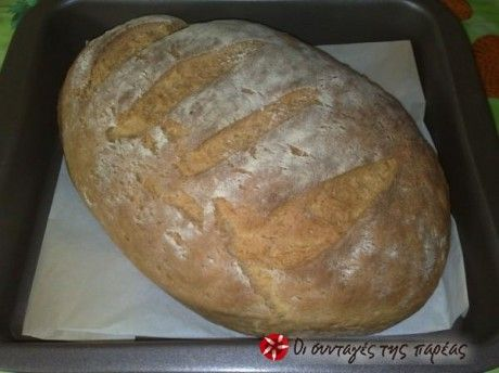 Νόστιμο, ζεστό ψωμάκι από τα χέρια σας και χωρίς πολύ κόπο.