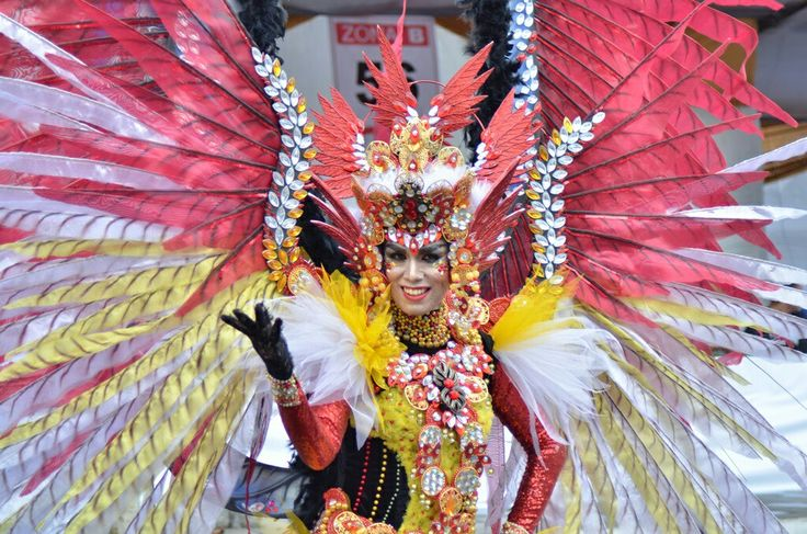 Do you know how many costumes on each themes?  Gomen nee for very latepost  http://travellingaddict.wordpress.com  #waci #jemberfashioncarnival #jemberfashioncarnival2016 #jff #jff2016 #wonderfulindonesia #visitindonesia #indonesia #jember #travel #instatravel #carnival #carnivalindonesia #worldcarnival