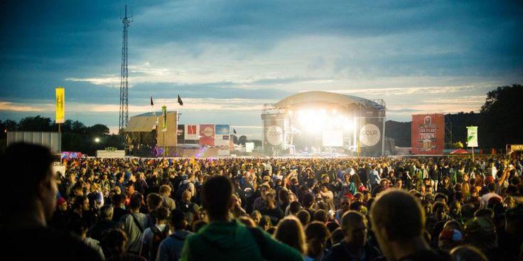 Quelle-est-la-methode-du-festival-de-dour-pour-booker-289-bons-artistes (Et plaire autant au grand public qu'aux puristes) inluv