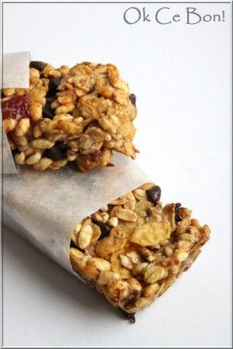 """Pour cette recette, je me suis inspirée d'une des recettes du livre """"barres de céréales"""" dont je vous parlais hier. Dans cette recette sans sucre et sans graisse, le blanc d'oeuf remplace l'huile végétale et les bananes remplacent une partie du sucre...."""