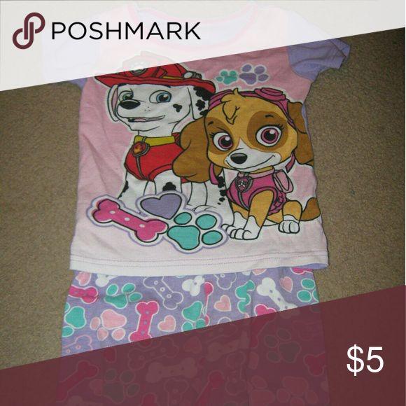 Paw patrol pajamas Little girl paw patrol pajamas, worn but still in great shape! Size 4 Pajamas