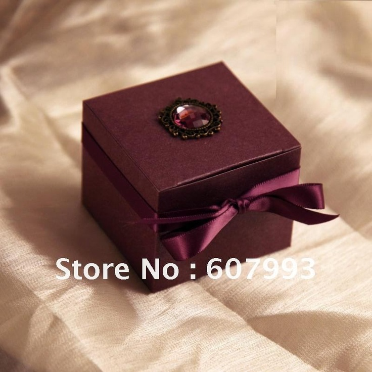 New Luxury Purple Crystal Favor Box Wedding Candy Boxes Party Gifts Factory Wholesale Free