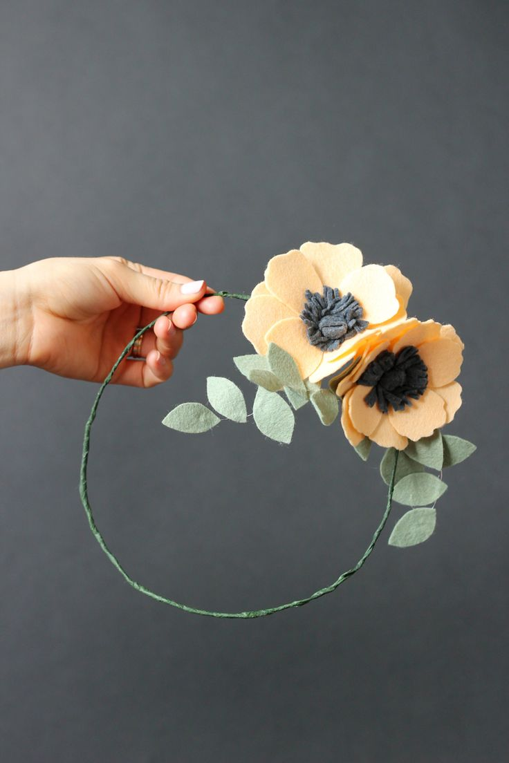 Best 25 felt flower headbands ideas on pinterest felt for Diy felt flower mobile