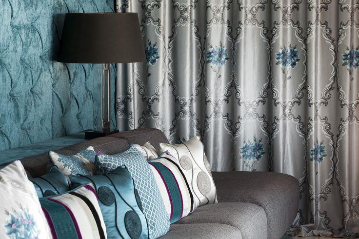 Auch mit kleinen Highlights, wie hier mit Textilien von FINE, lässt sich eine große Wirkung erzielen.