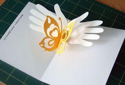 Libros Pop-Up Books Cards: Una hermosa tarjeta popup de unas manos con una mariposa