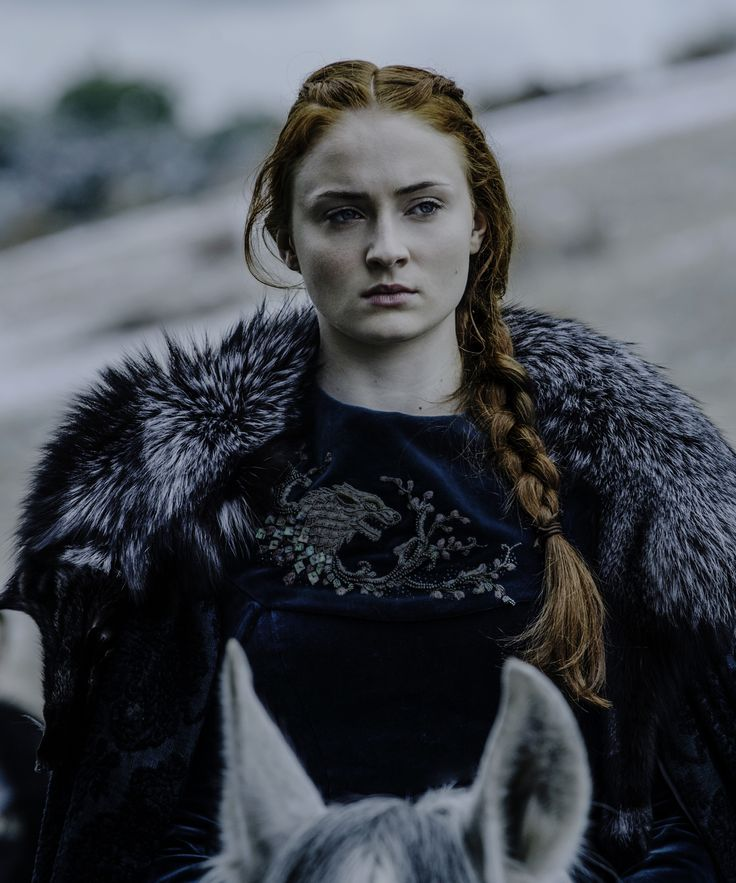 Sophia Turner Blonde Hair Transformation | Sophia Turner's gone from Sansa Stark to Daenerys with her newest hair transformation. #refinery29 http://www.refinery29.com/2016/07/118447/sophie-turner-hair-transformation
