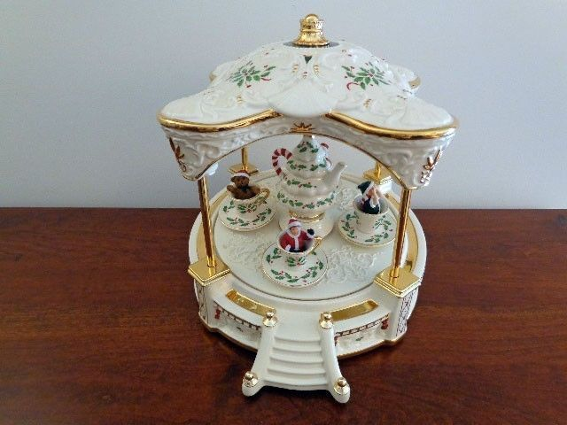 Lenox christmas musical holiday centerpiece teacup