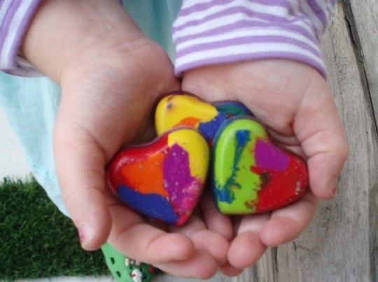 A unique way to entertain your children: Crayons Crafts, Melted Crayons Art, Crayons Heart, My Heart, Heart Crayons Mad, Homemade Valentines, Valentines Week, Kid, Rainbows Crayons