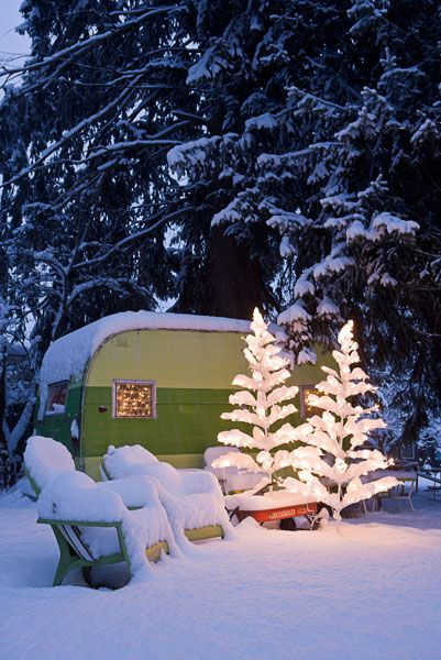 Happy, happy!  Joy, joy!Winter Snow, Holiday, Vintage Trailers, Winter Camping, Christmas, Trees, Winter Camps, Winter Vacations, Vintage Campers
