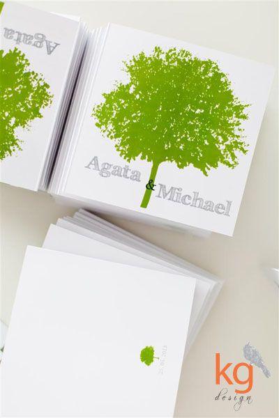 oryginalne zaproszenie ślubne dwujęzyczne, zaproszenie w języku angielskim i niemieckim, motyw przewodni - drzewo, zielono - szara kolorysty...
