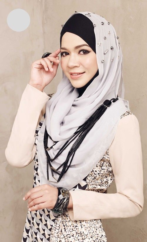 hijabi fashion. neutral. chic.
