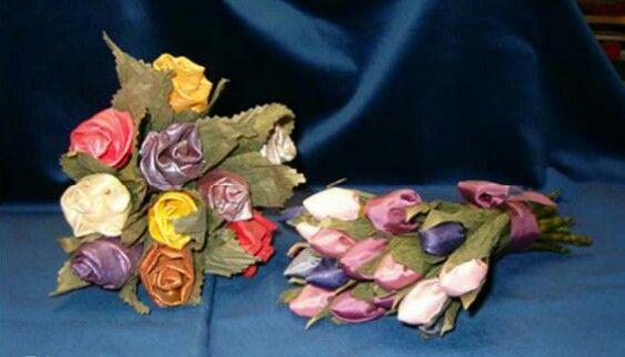 Tulpen en rozen van stof.