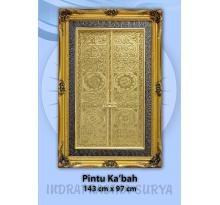 Kaligrafi Pintu Ka'bah kuningan - kaligrafi kuningan ini berukuran 143 cm x 97 cm (ukuran jumbo) sangat cocok sekali di pasang di interior rumah anda atau di dalam interior masjid. Harga: Rp. 2.400.000