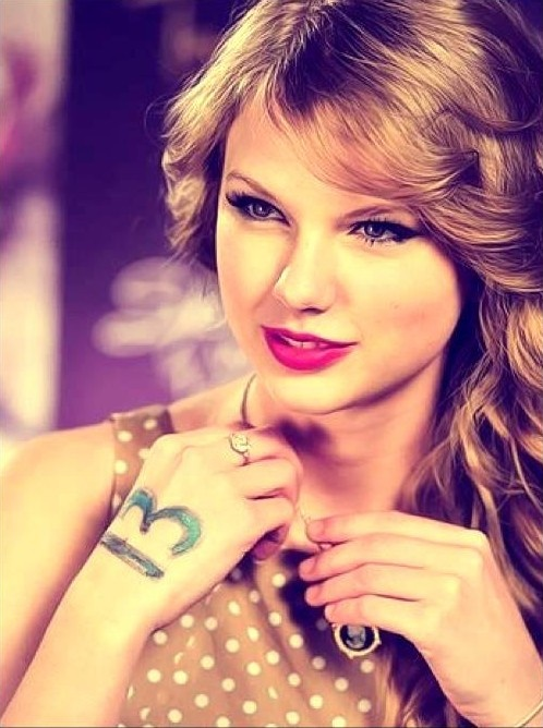 Does anyone really know why Taylor's lucky # 13? I do, she was born on December 13th!