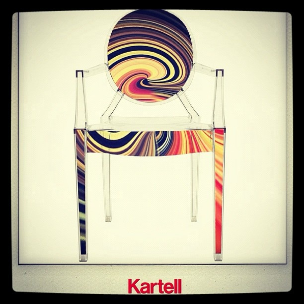 Streamcolors Design Serie to celebrate 10 years of Louis Ghost from Kartell