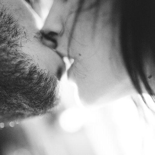loving: Buckets Lists, The Kiss, Hot Couple, Beards Scruff, Angles Lights, Taylors Swift, Cherries, Beards Kiss, Inspiração Sexy