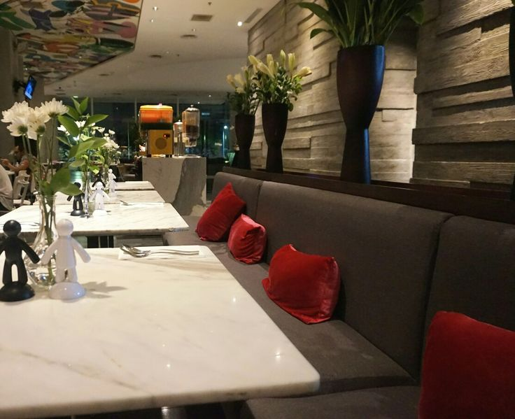 Modern and artistic place to dinner at Artotel Jakarta.