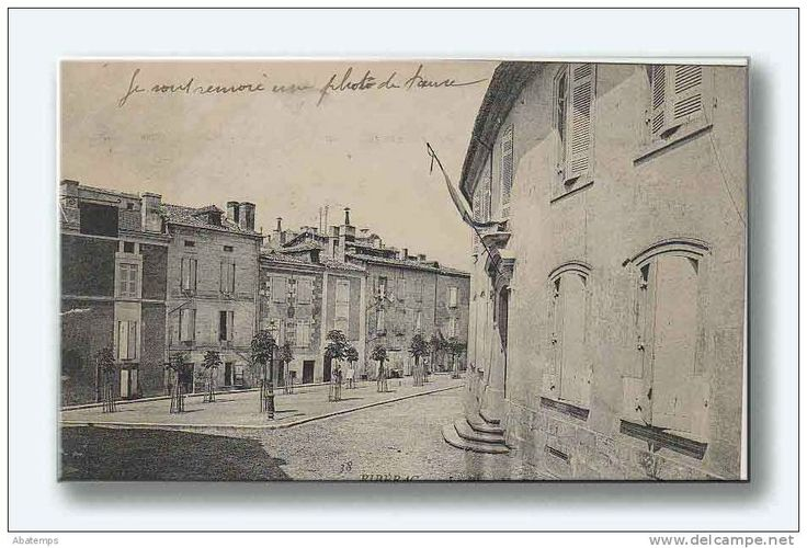 Place Jules Brunet in #Riberac formerly known as Place du Triangle  www.dordogne-holiday-gites.com