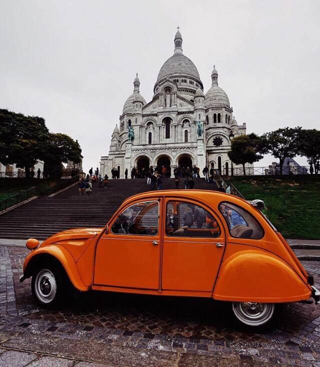 #TBT with authentic lovely #2CV! Which is your favourite heritage Citroen model? Thanks @francescadolnier for sharing us this pic!