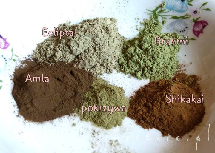 Eclipta, Amla, Brahmi i Shikakai w jednej masce na włosy: http://arsenicmakeup.blogspot.com/2014/05/eclipta-amla-brahmi-i-shikakai-w-jednej.html