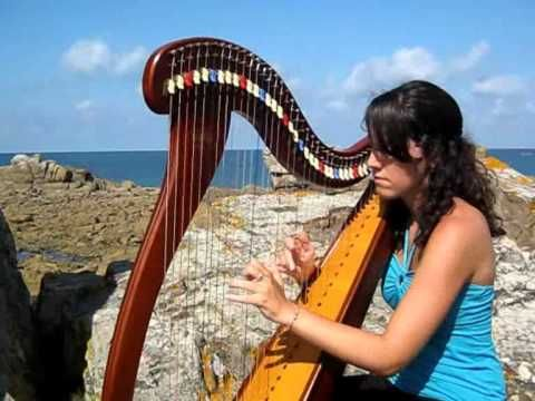 Irish ballad - Suite Irlandaise (Morrison's jig) - celtic harp / harpe c... The young woman here playing the harp so masterfully is Marion Le Solliec.