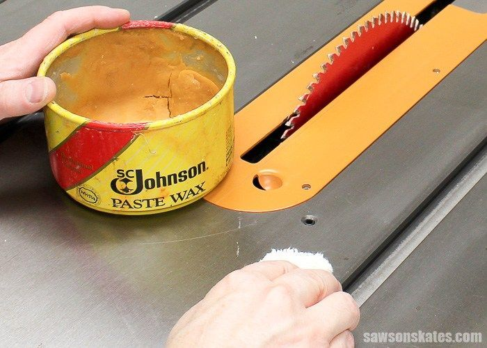 Wax your table saw not only to keep it looking its best but to help reduce oxidation, reduce friction and to maximize performance. #WoodworkingTools
