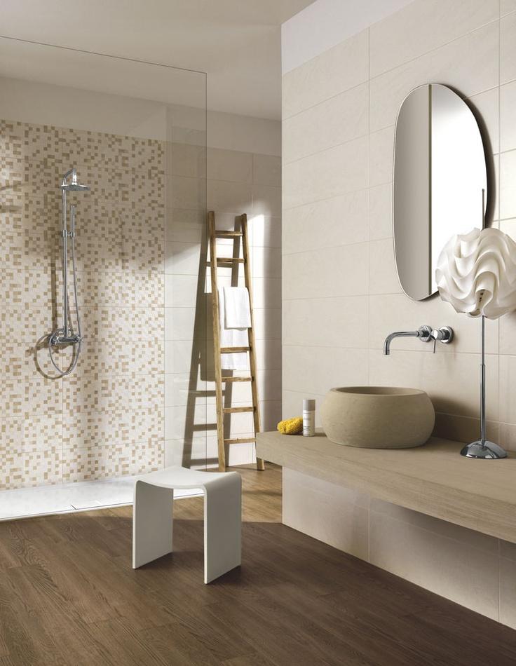 ambiente bagno con gres porcellanato effetto legno