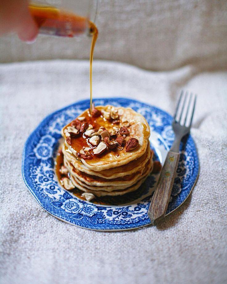 Late honey-oat cardamom pancakes. #honey #oat #cardamom #pancakes #breakfast