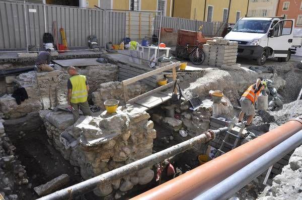 Um pequeno estádio foi descoberto em escombros subterrâneos na cidade de Aosta, na Itália. Nos últimos meses, a região tem recebido intervenções de requalificação urbana e as obras proporcionaram a descoberta. Mas as suspeita de que a cidade possuía um estádio surgiu nos anos 1980, quando...