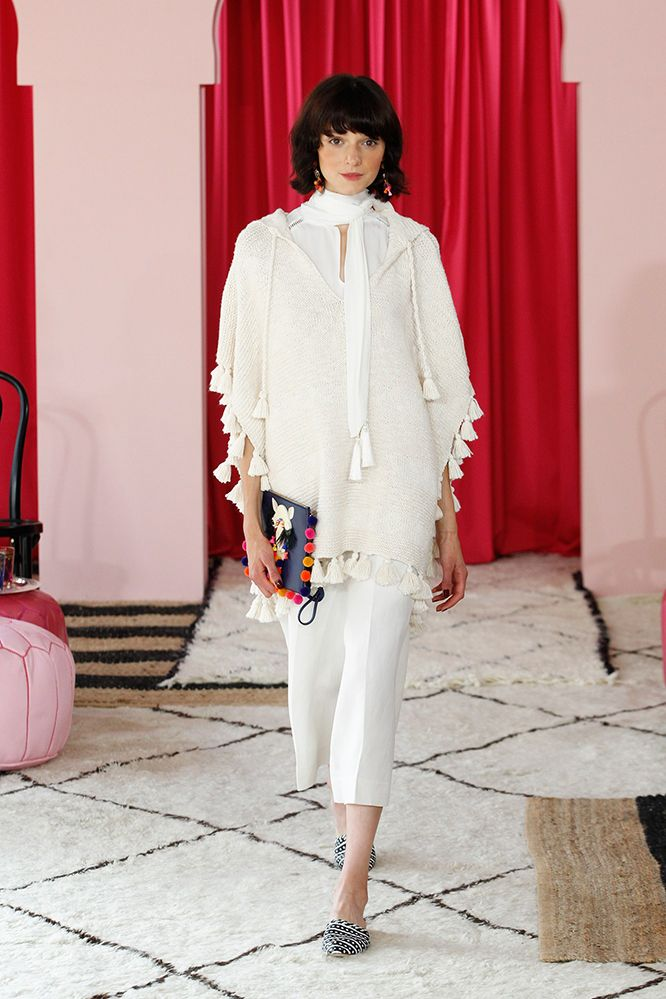 I could easily make my own with a large scarf or small blanket and tassles.  26-kate-spade-spring-2017-ready-to-wear_10_09_2016.jpg