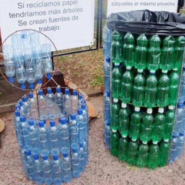 Basureros reciclados! Love it! <3