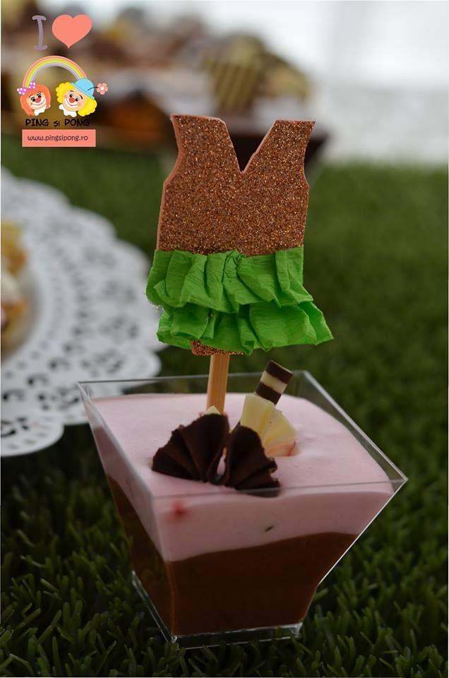 prajituri-alba-cofetaria-laura-maria-candy-bar-botez