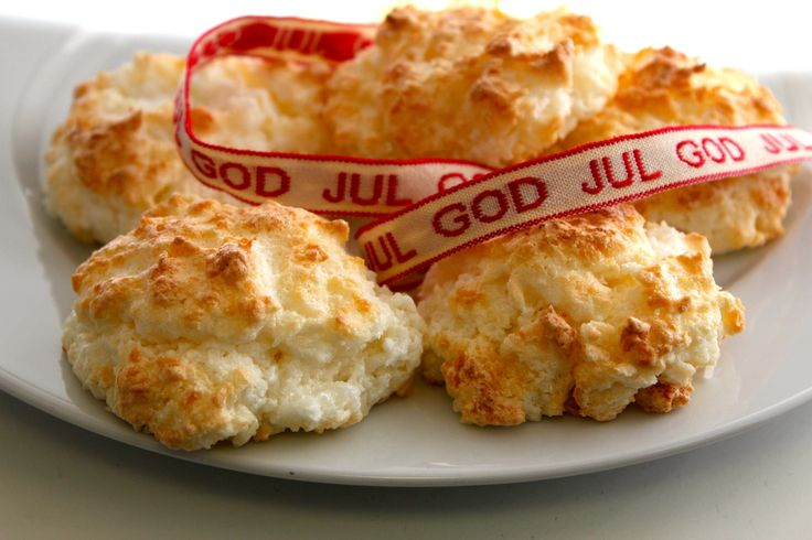 Norwegian coconut macaroons or kokosmakroner are an easy to prepare, easy to make popular Christmas cookie. Be sure to use unsweetened shredded coconut, so the cookies don't turn out too sweet.