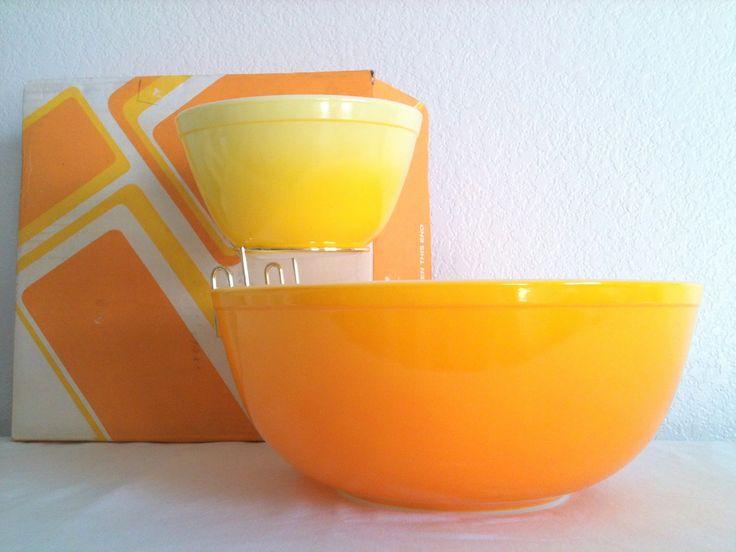 Vintage Pyrex Pineapple Party Chip & Dip Set.