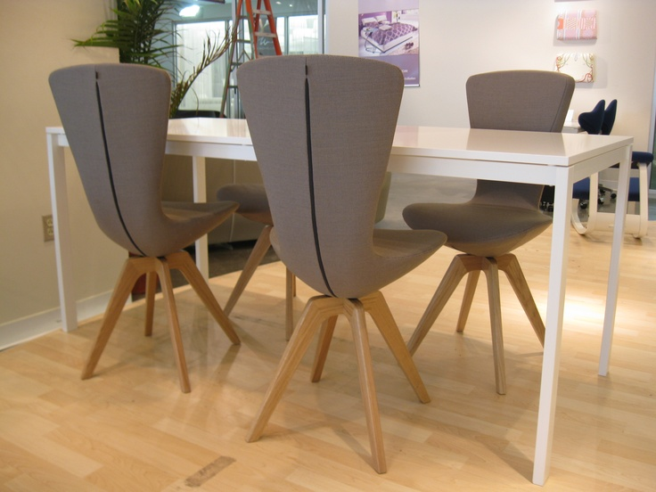 Our new showroom - Varier Invite dining chairs