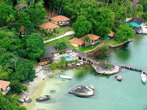 Travelers Are Always On A Lookout For Desconto By Urbano Prices For Their Accommodations Resort Angrabeach Hotelsbeach Resortsamerica