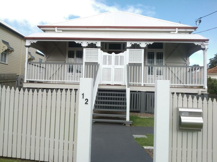 Renovated high-set workers cottage,12 Gray St Ipswich