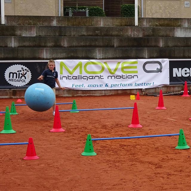 MoveQ at Swedish Open, ATP & WTA tennis tournament Kids Day in Båstad, Sweden 2016. Feel better, move better & perform better. The athletic foundation for kids in most sports. #moveq #mq #3dfunction #feelbetter #movebetter #performbetter #move #learn #grow #live #playful #fun #challenge #success #fun2move #cool2move #master2move #motordevelopment #cognitivedevelopment #scientificbased #measurable #head #ultimateinstability #coretex #plyosteps #moveqboard #pelvicore #procedosplatform9…